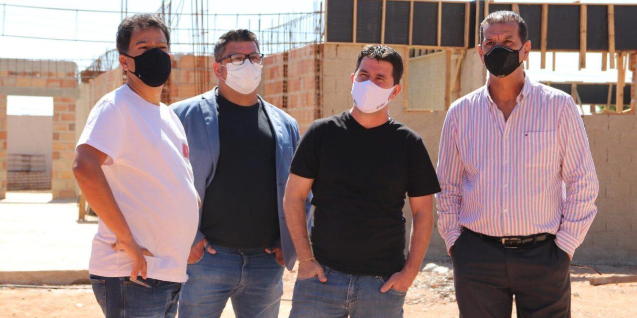 Carlin visita obras da UPA Monte Cristo